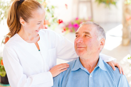 Pflegerin mit Patienten